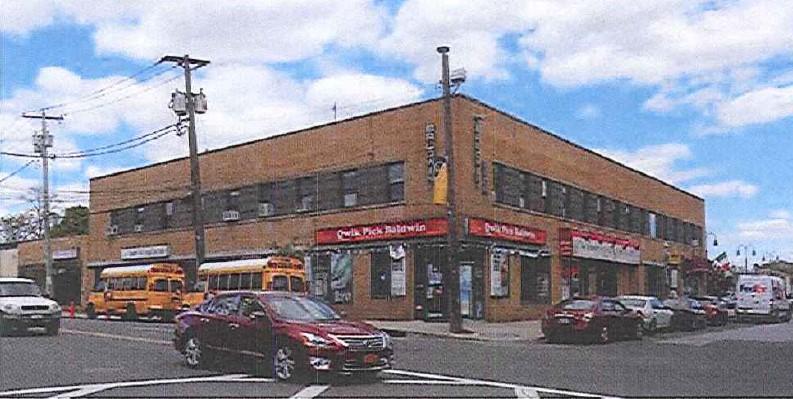 Hewlett Avenue, Merrick, NY11566 image