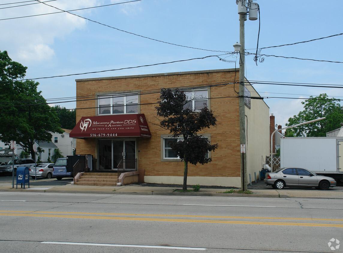 Merrick Rd. Wantagh, NY 11793 image