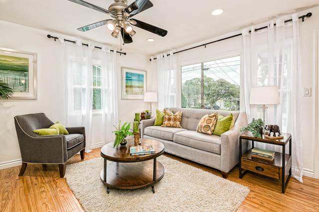 Cottage living room in Pasadena