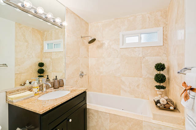 travertine tile bath with jet spa
