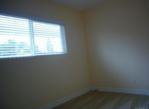 Bad photo of bedroom