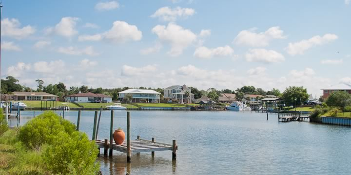 Homes on the Waterway in Grande Lagoon, Pensacola