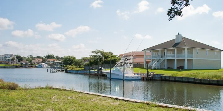 Waterfront Homes in Grande Lagoon