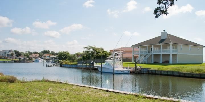 Waterfront Homes in Grande Lagoon