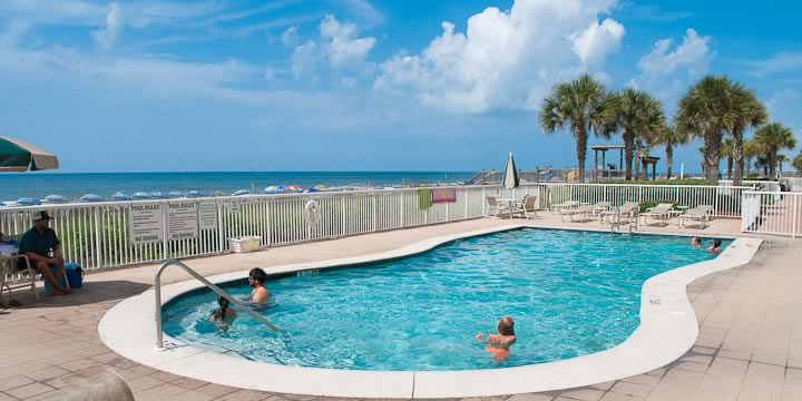 Sandy Key Condos pool