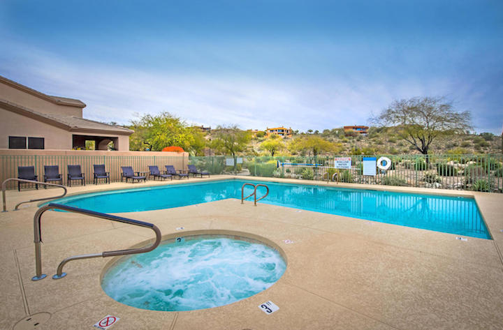 La Loma Pool