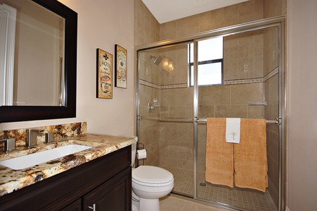 picture of guest bathroom tarpon model