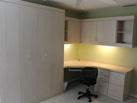 Bedroom 3 with office area