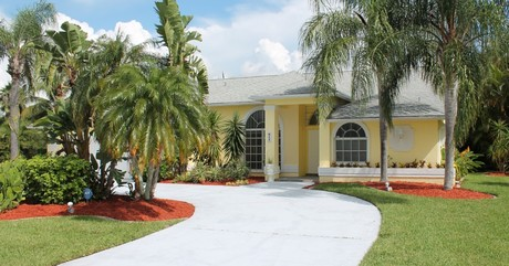 Cape coral rose garden vacation villa
