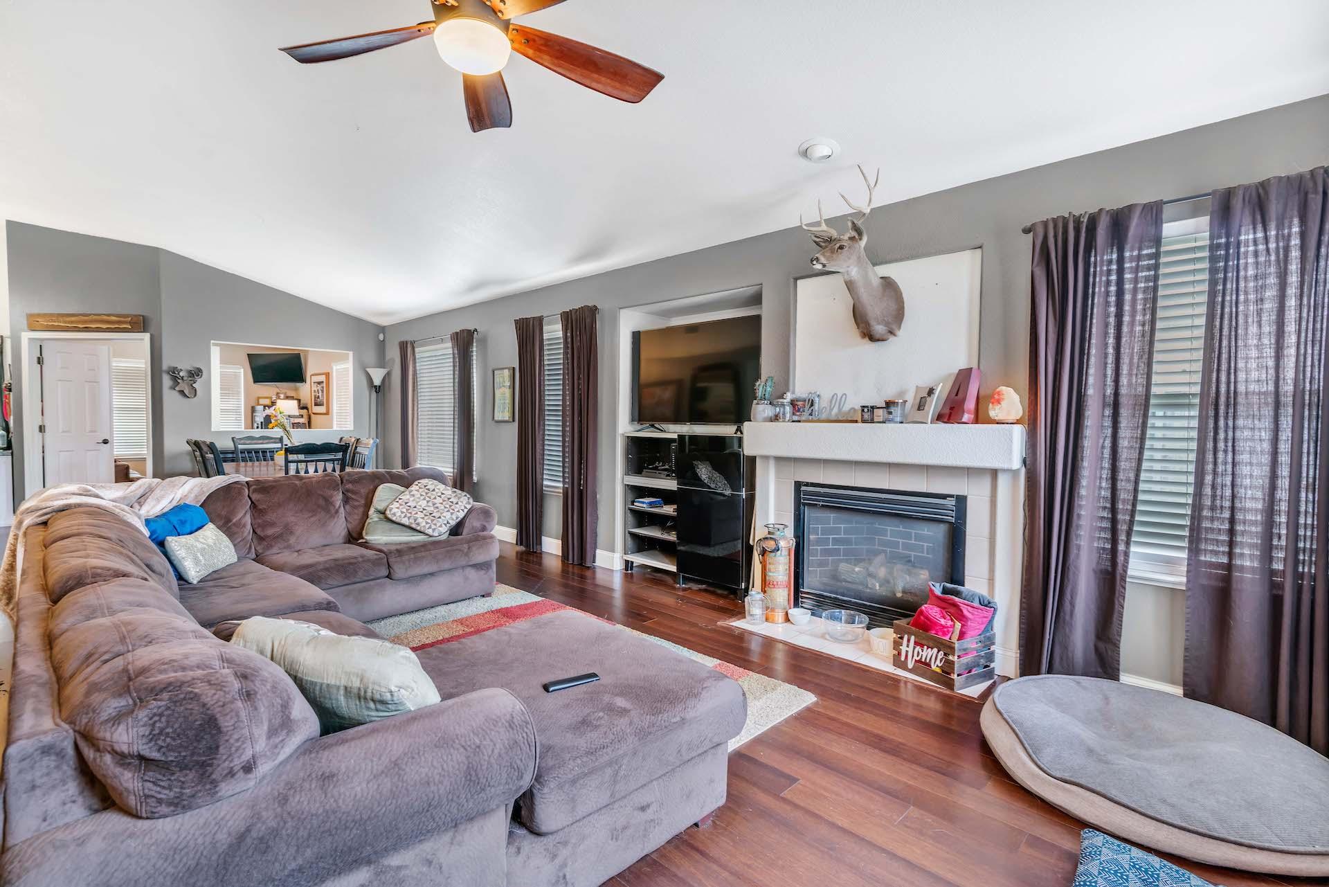 157 Clydesdale Way, Roseville, Ca | Living Room | Roseville Real Estate Agent
