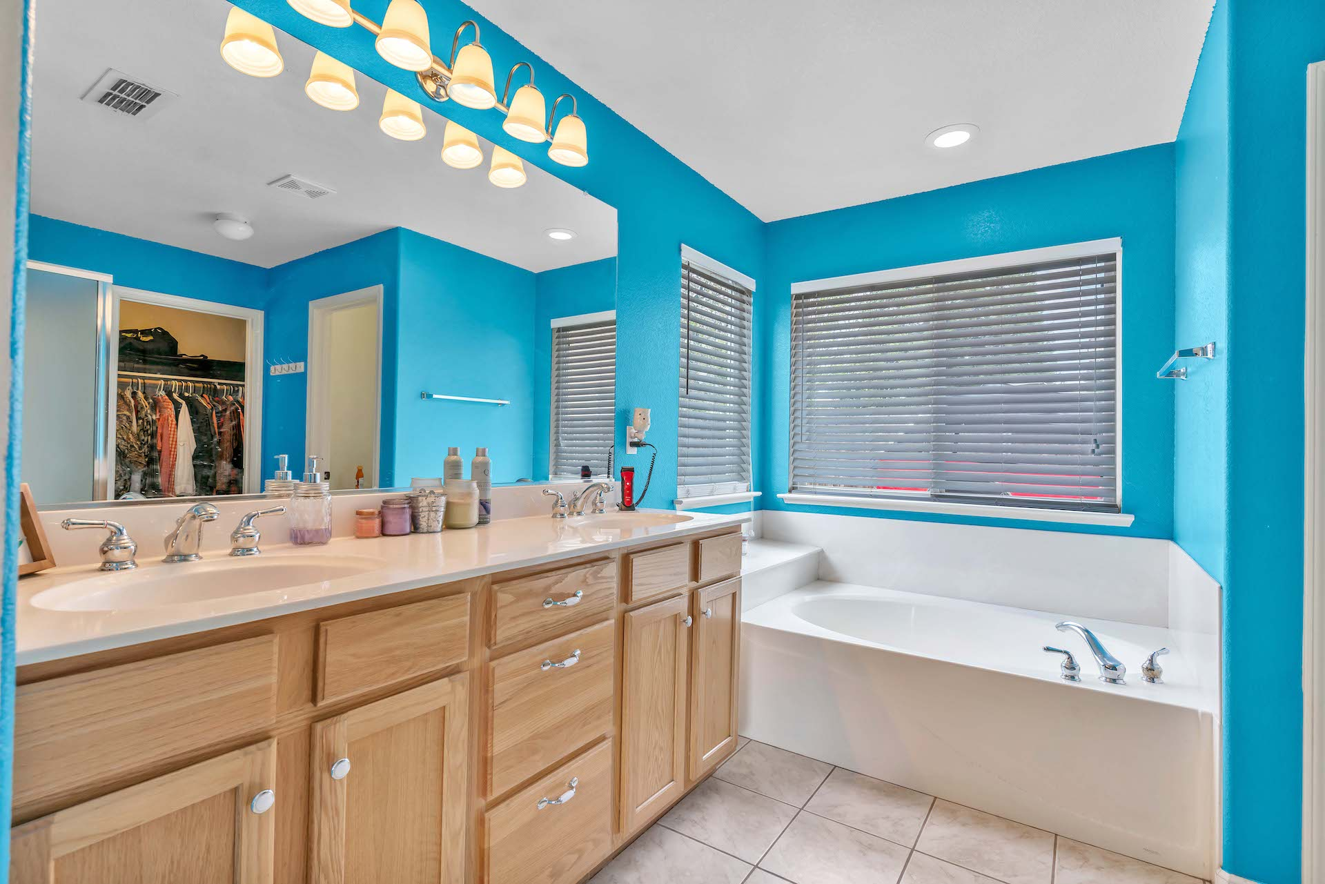 157 Clydesdale Way, Roseville, Ca | Master Bathroom | Roseville Real Estate Agent