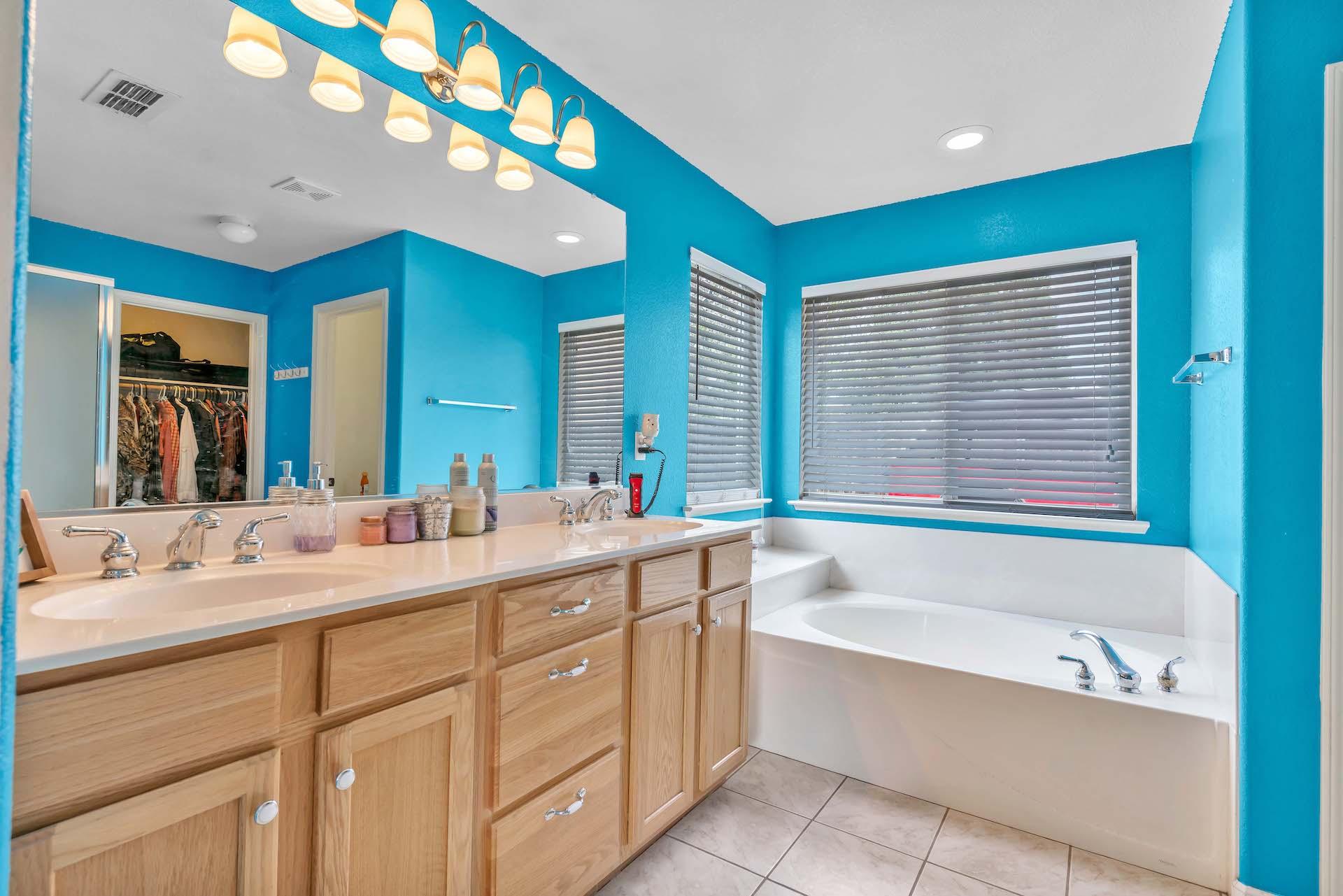 157 Clydesdale Way, Roseville, Ca | Master Bathroom | Roseville Real Estate Agent
