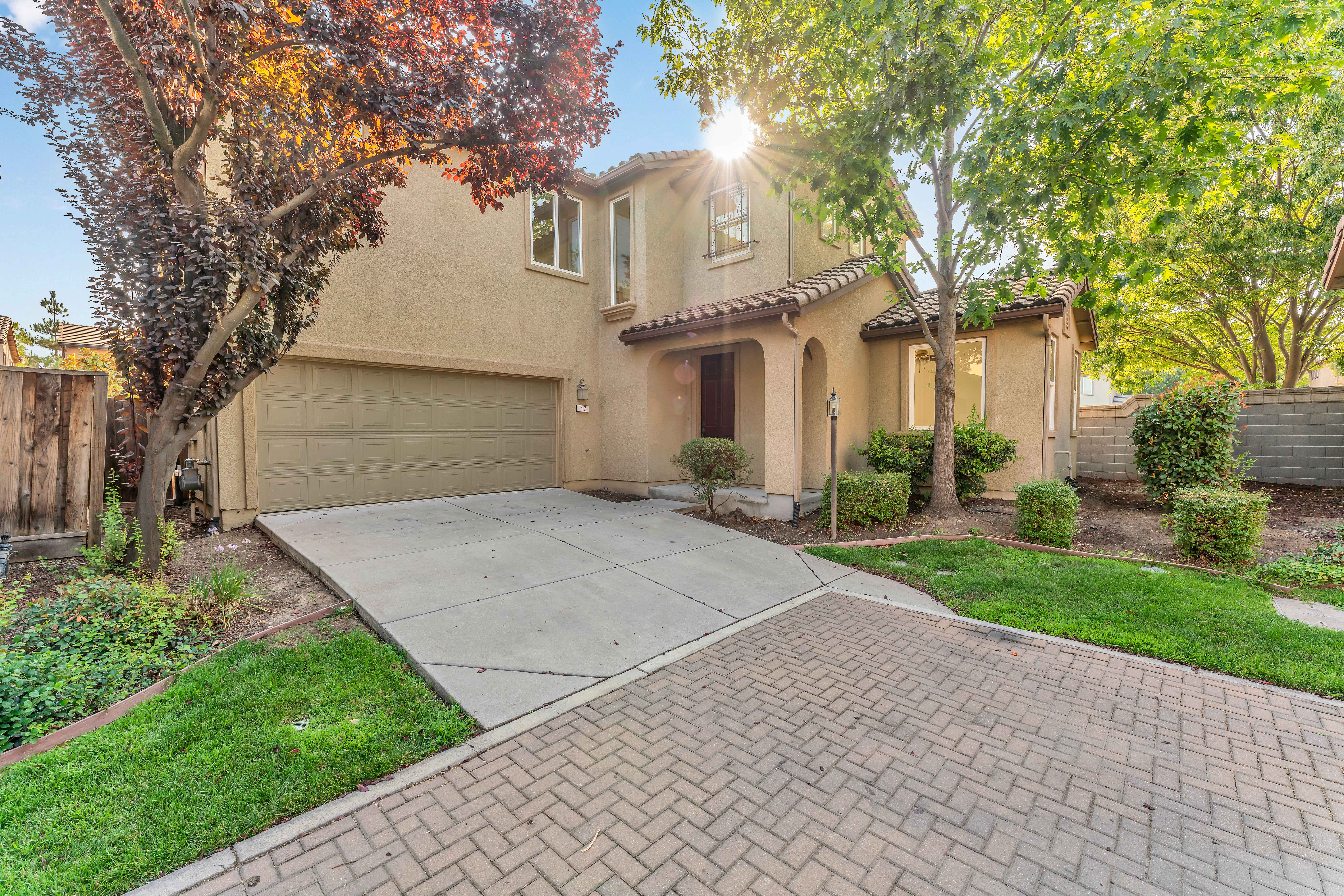 Front of home at 17 Narwal Pl, Sacramento, Ca
