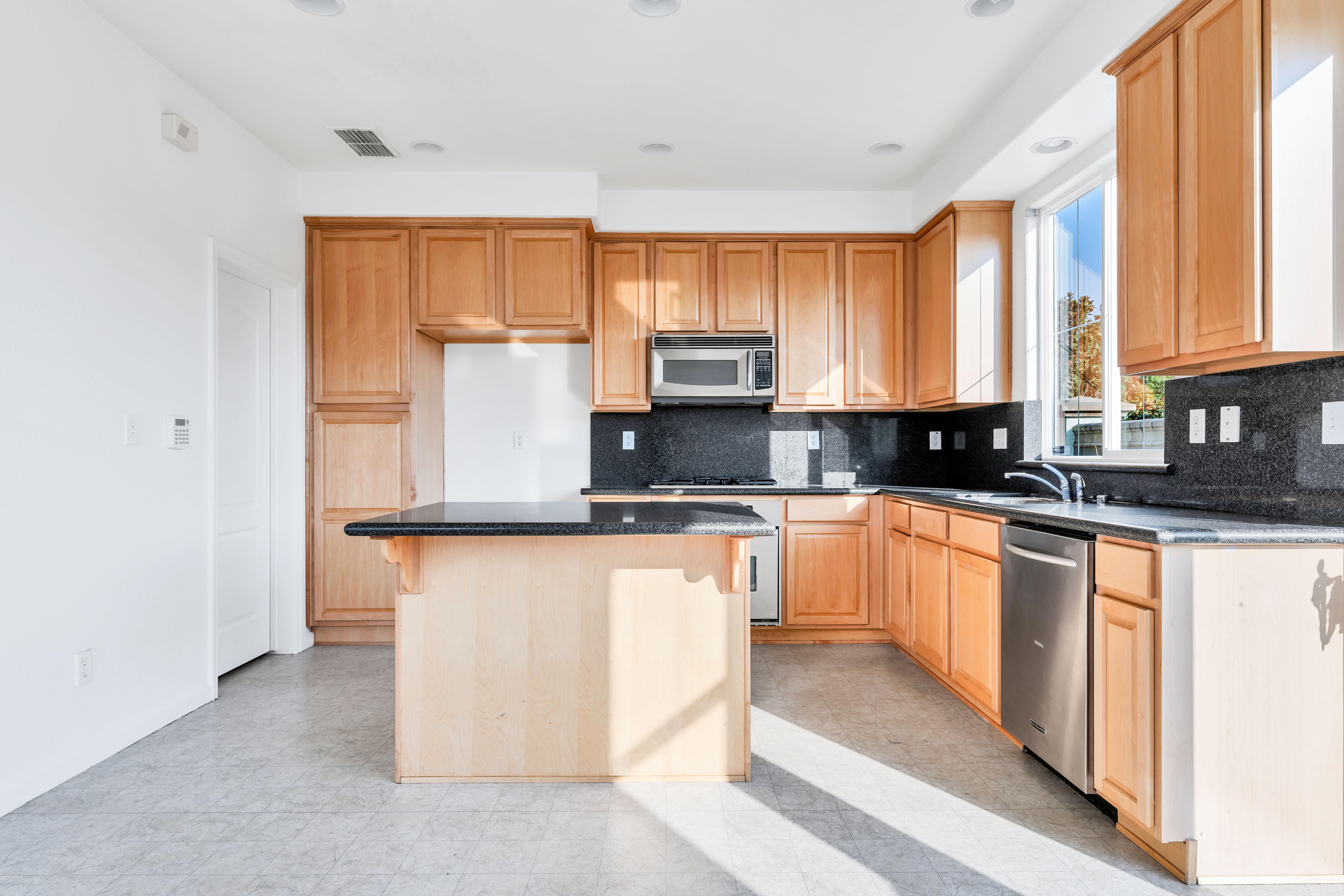 Kitchen of 17 Narwal Pl, Sacramento, Ca 95835