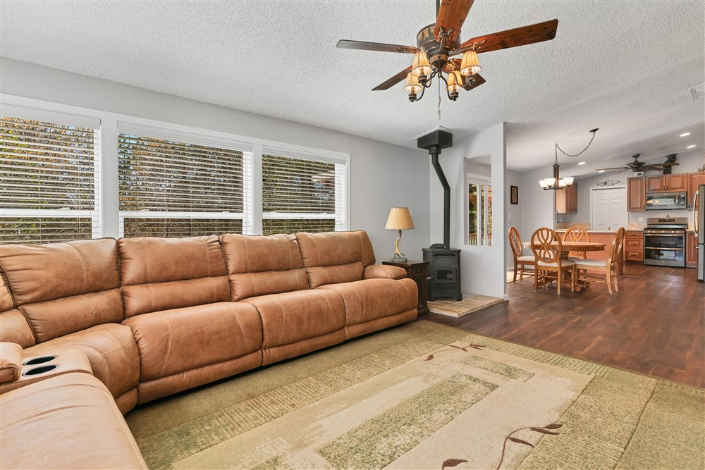 21770 Old Miners Rd, Foresthill, Ca | Family Room | Foresthill Real Estate Agent