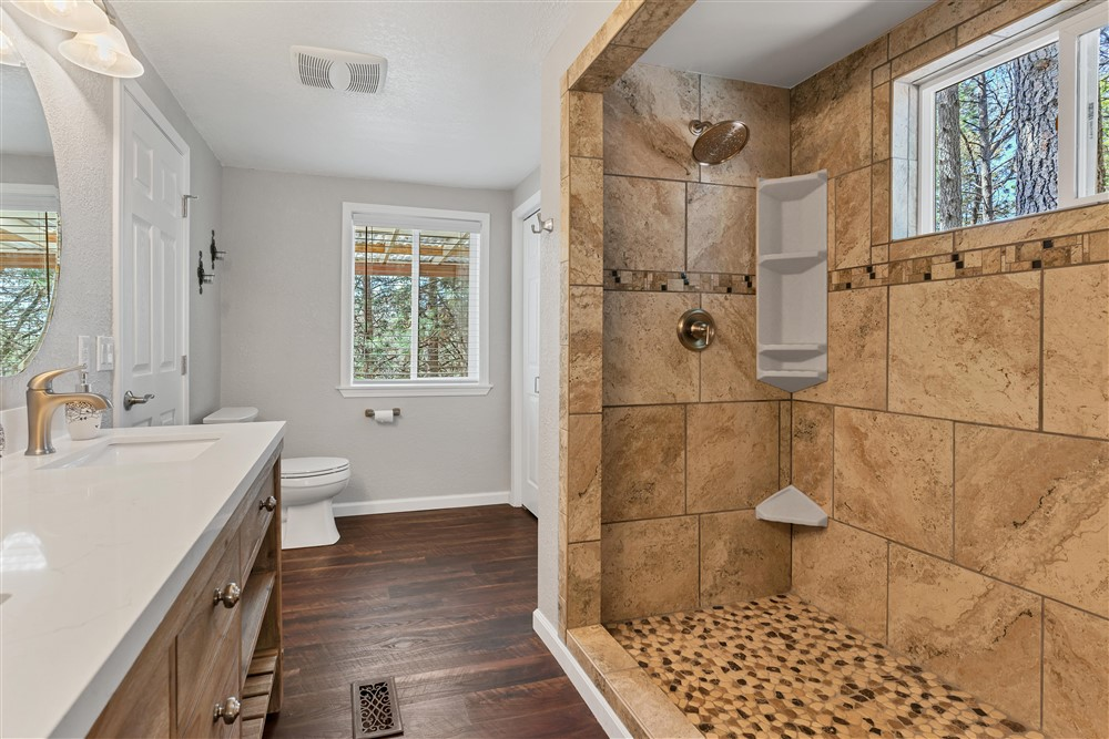 21770 Old Miners Rd, Foresthill, Ca | Master Bathroom | Foresthill Real Estate Agent