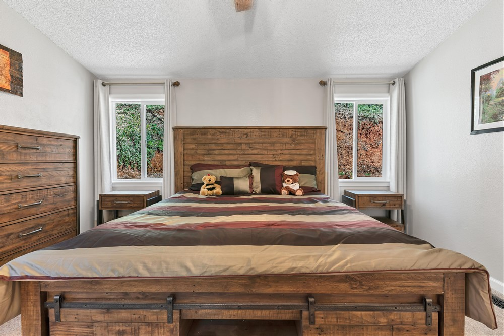 21770 Old Miners Rd, Foresthill, Ca | Master Bedroom | Foresthill Real Estate Agent