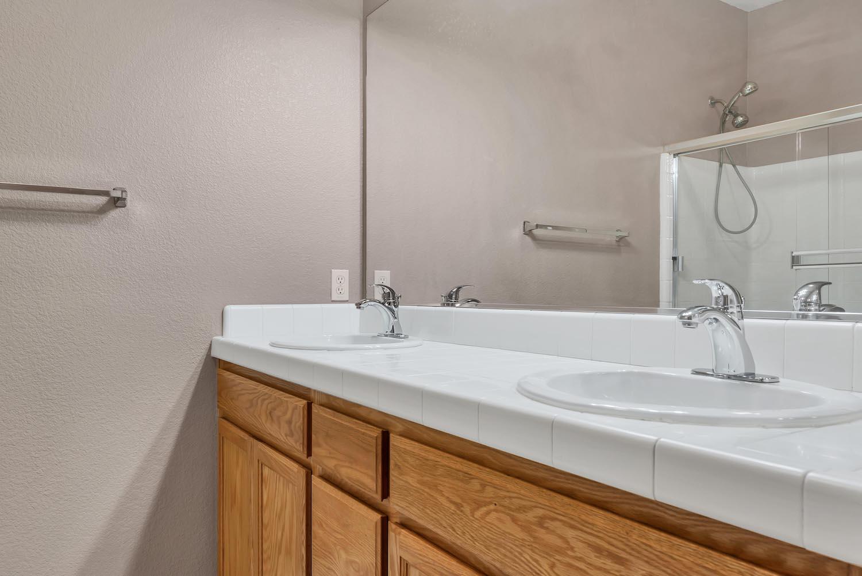 Master bathroom of home at 5903 Lindsay Ct, Rocklin, Ca.