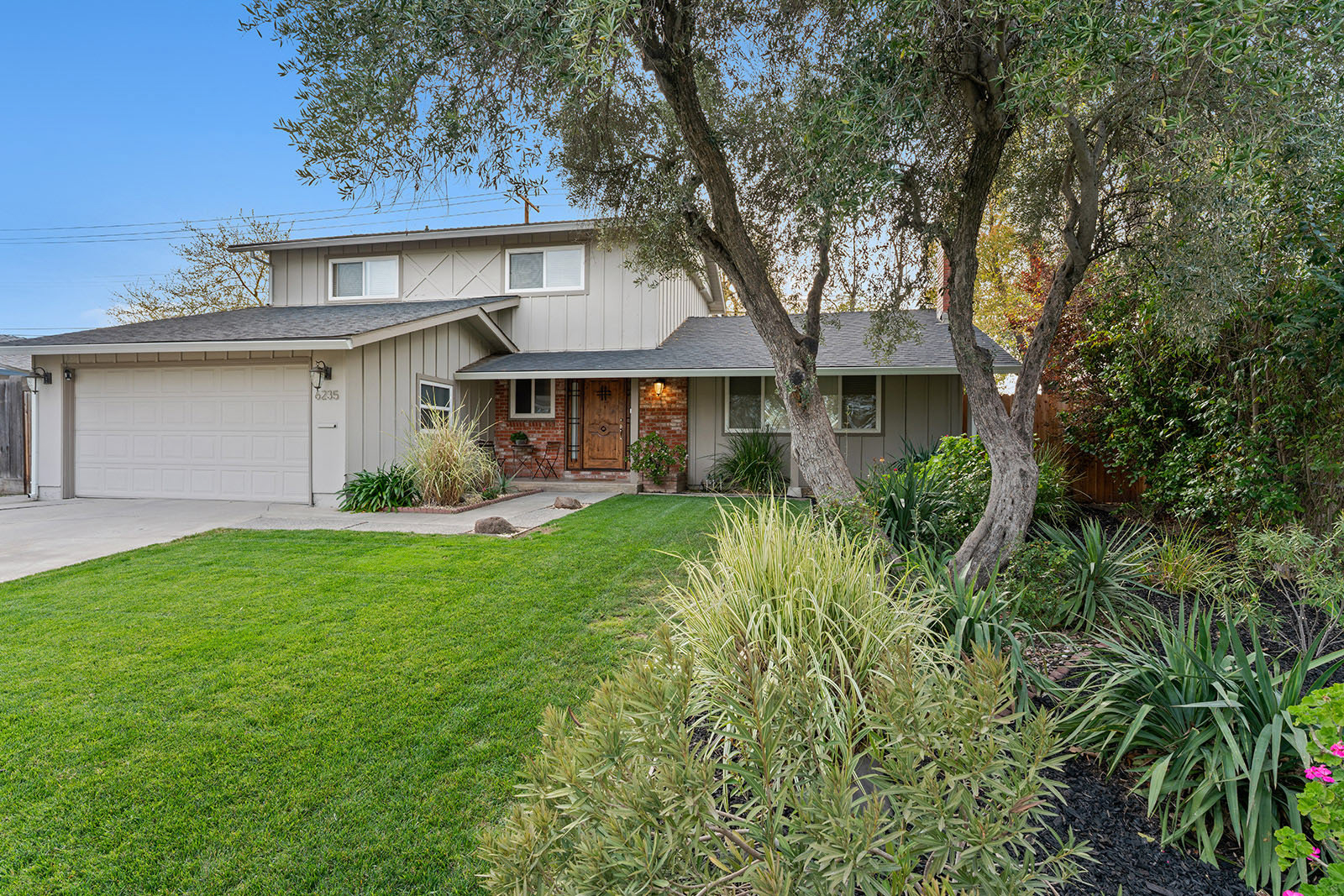 Front of home at 6235 Everest Way, Sacramento, Ca