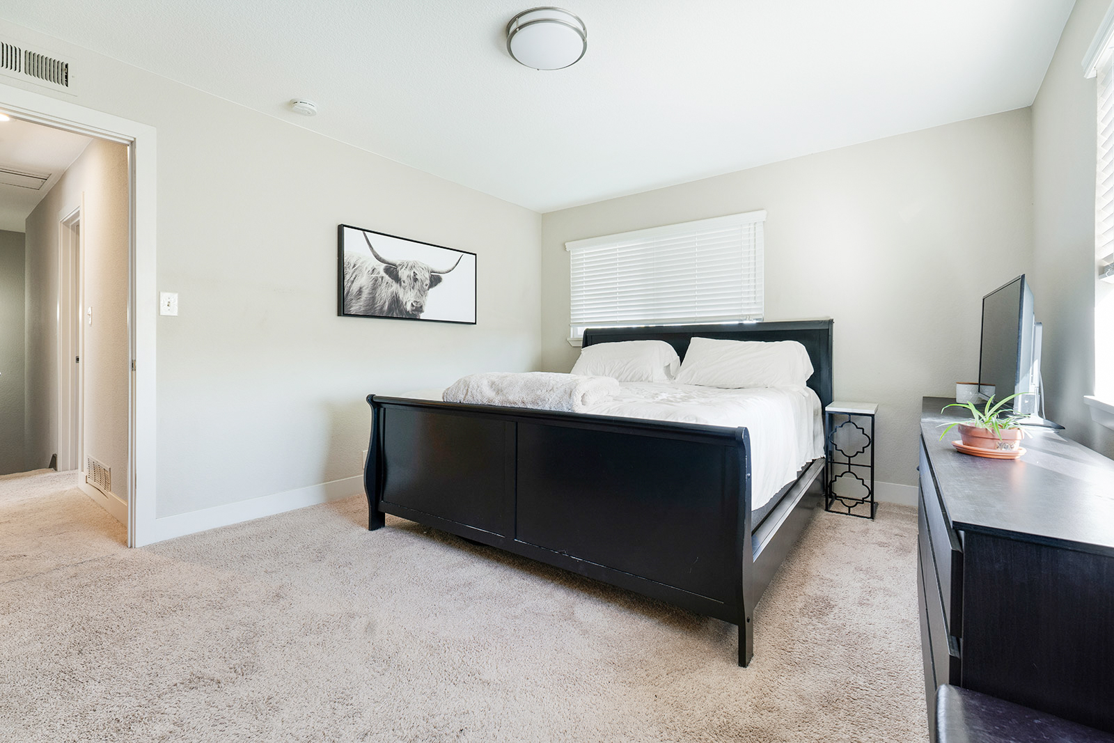 Master bedroom of home at 6235 Everest Way, Sacramento, Ca