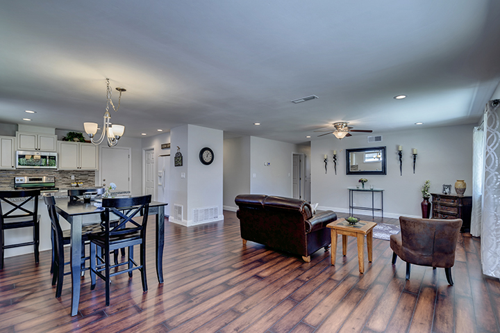 Experienced Citrus Heights California real estate agent Jesse Coffey | 7325 Candlelight Way Living Room
