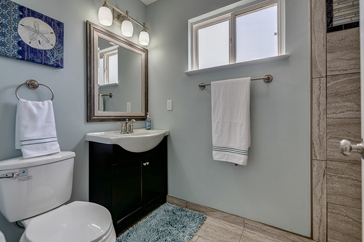 7325 Candlelight Way Master Bathroom | Citrus Heights California Realtor with Keller Williams Realty