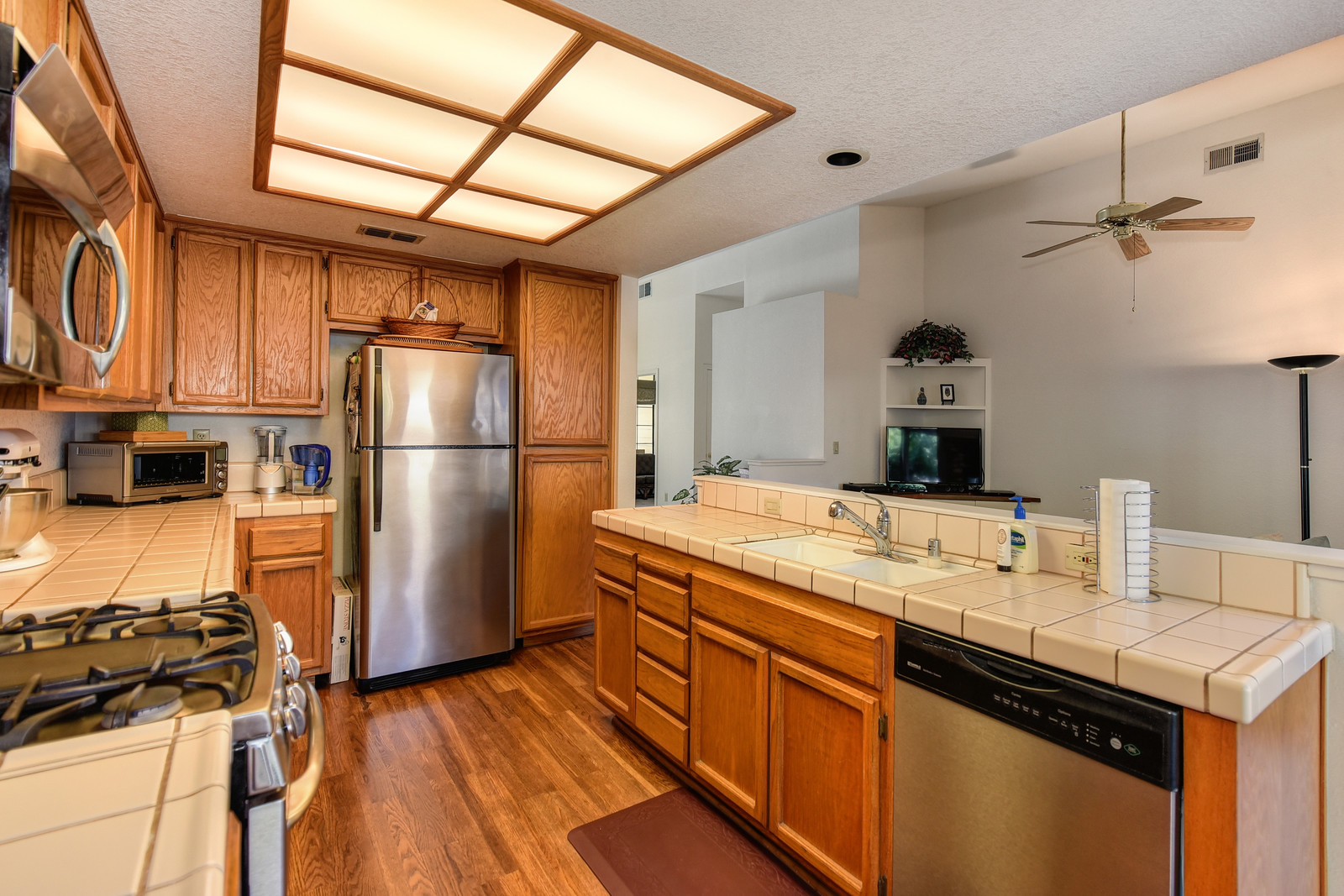 Kitchen 9158 Old Creek Rd, Elk Grove, Ca | Elk Grove home sold.