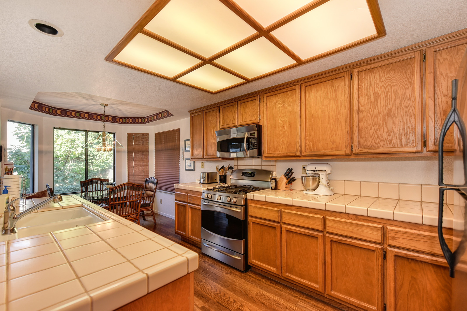 9158 Old Creek Rd Elk Grove Kitchen | Realtor in Elk Grove California | Elk Grove California homes for sale