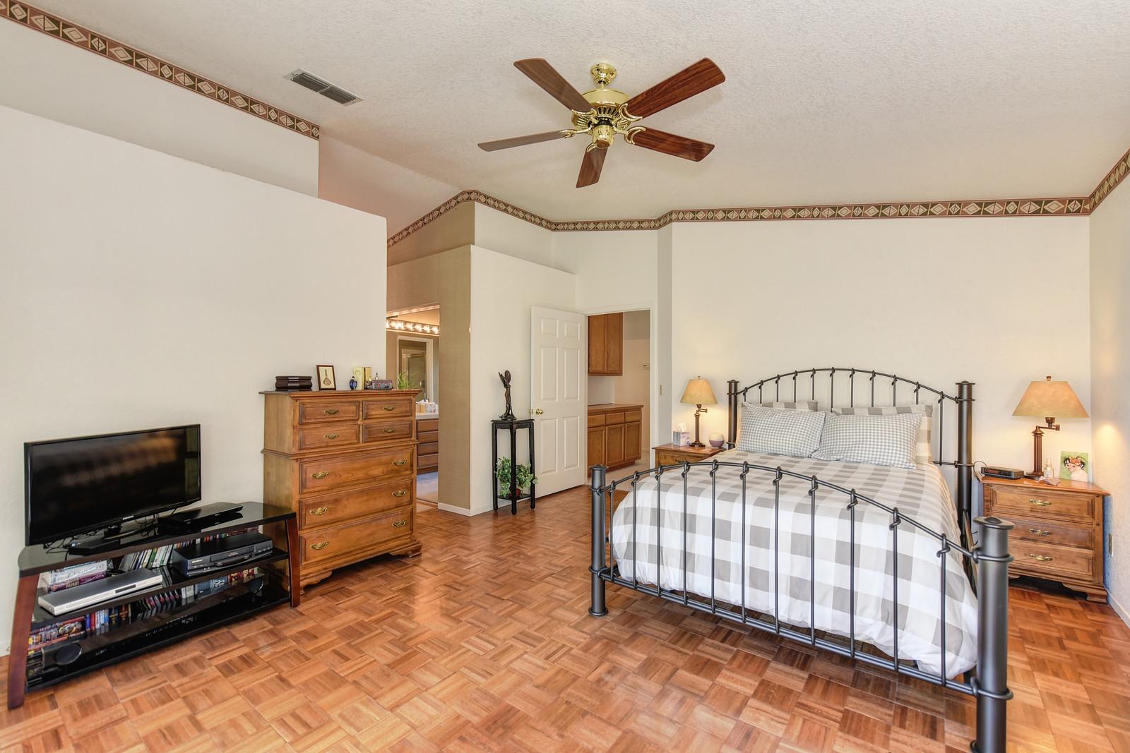 Master bedroom 9158 Old Creek Rd Elk Grove California | Realtor in Elk Grove California