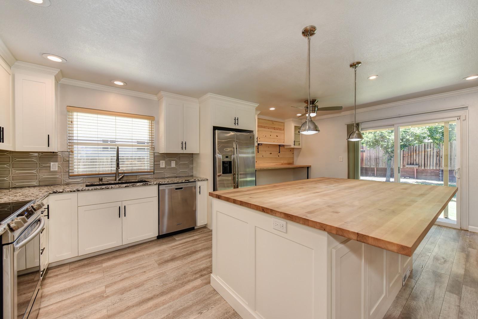 5342 Nyoda Way Carmichael Kitchen | Realtor in Carmichael California | Carmichael California homes for sale