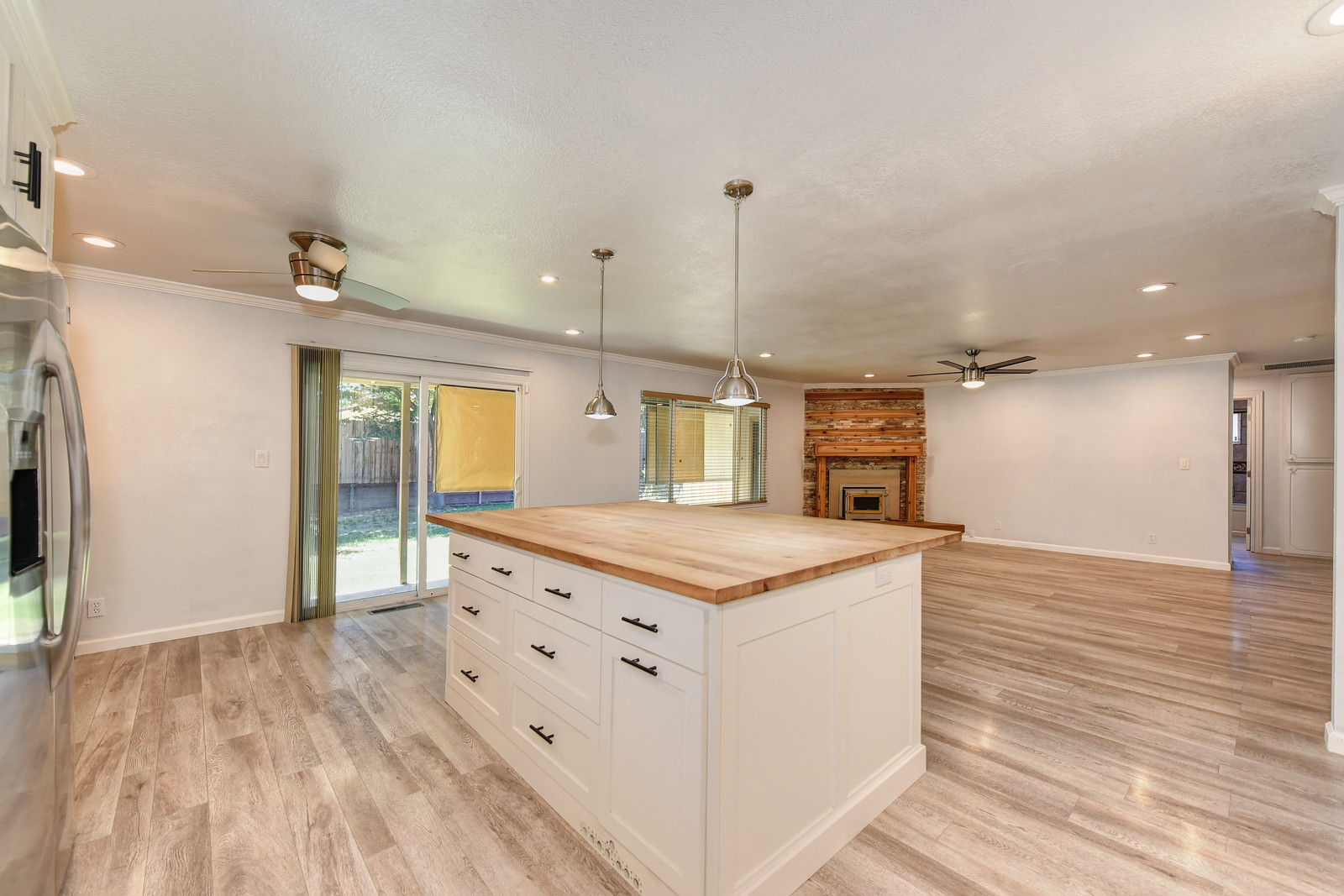 Realtor in Carmichael California | Remodeled kitchen 5342 Nyoda Way Carmichael California