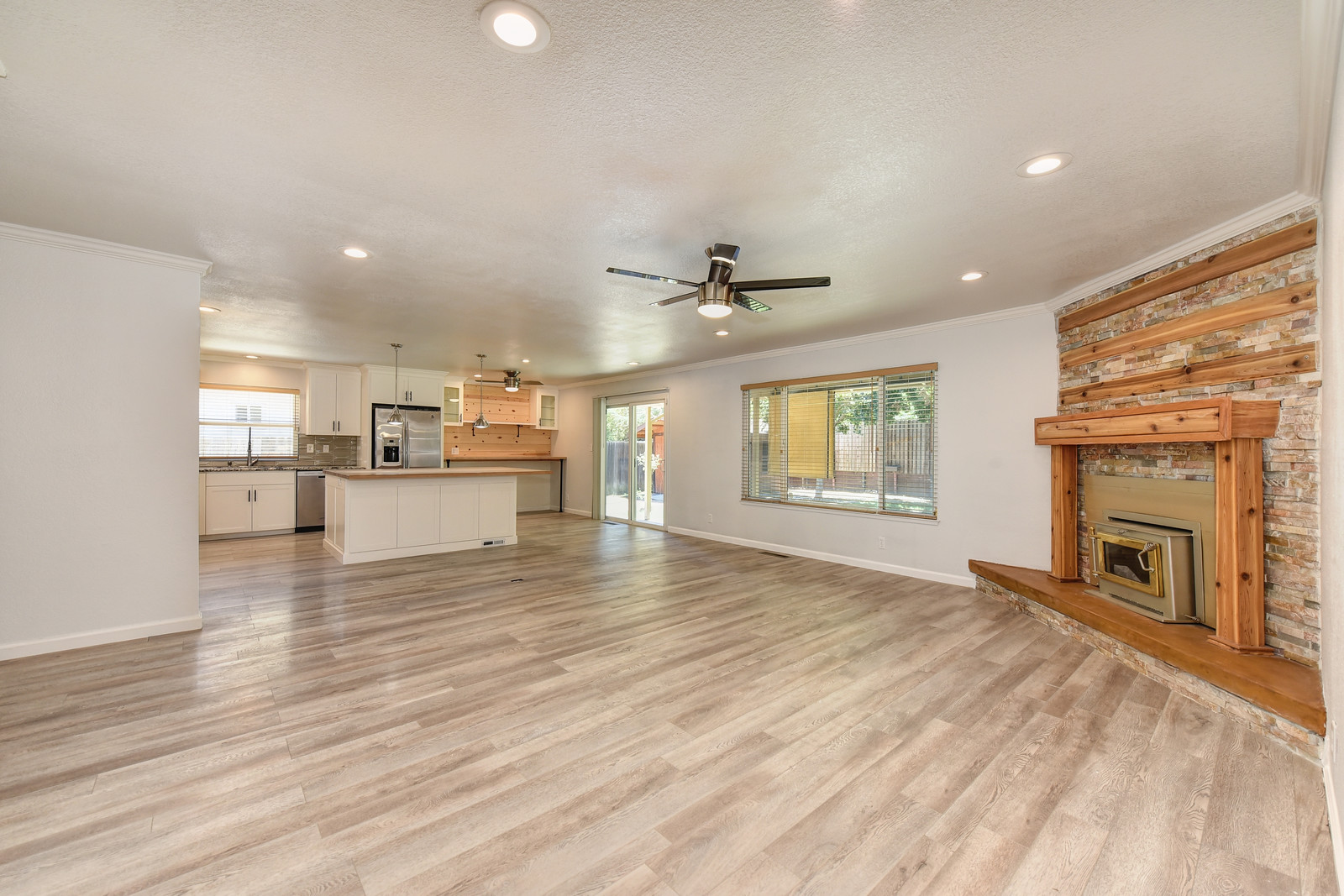 5342 Nyoda Way Living Room | Experienced Carmichael California real estate agent Jesse Coffey with Keller Williams Realty