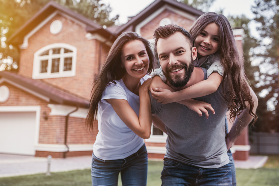 Search Manalapan homes and find a fun community.