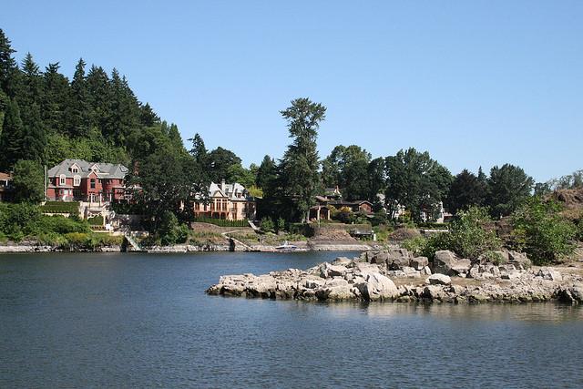 Dunthorpe Neighborhood of Portland