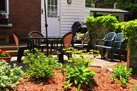 4 Landscaping projects to boost your curb appeal