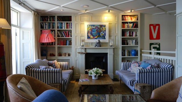 5 Ways to Decorate Your House Like a Wealthy Person