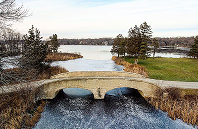oconomowoc lake bridge