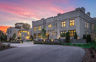oconomowoc lake luxury home