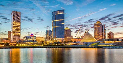 skyline of milwaukee
