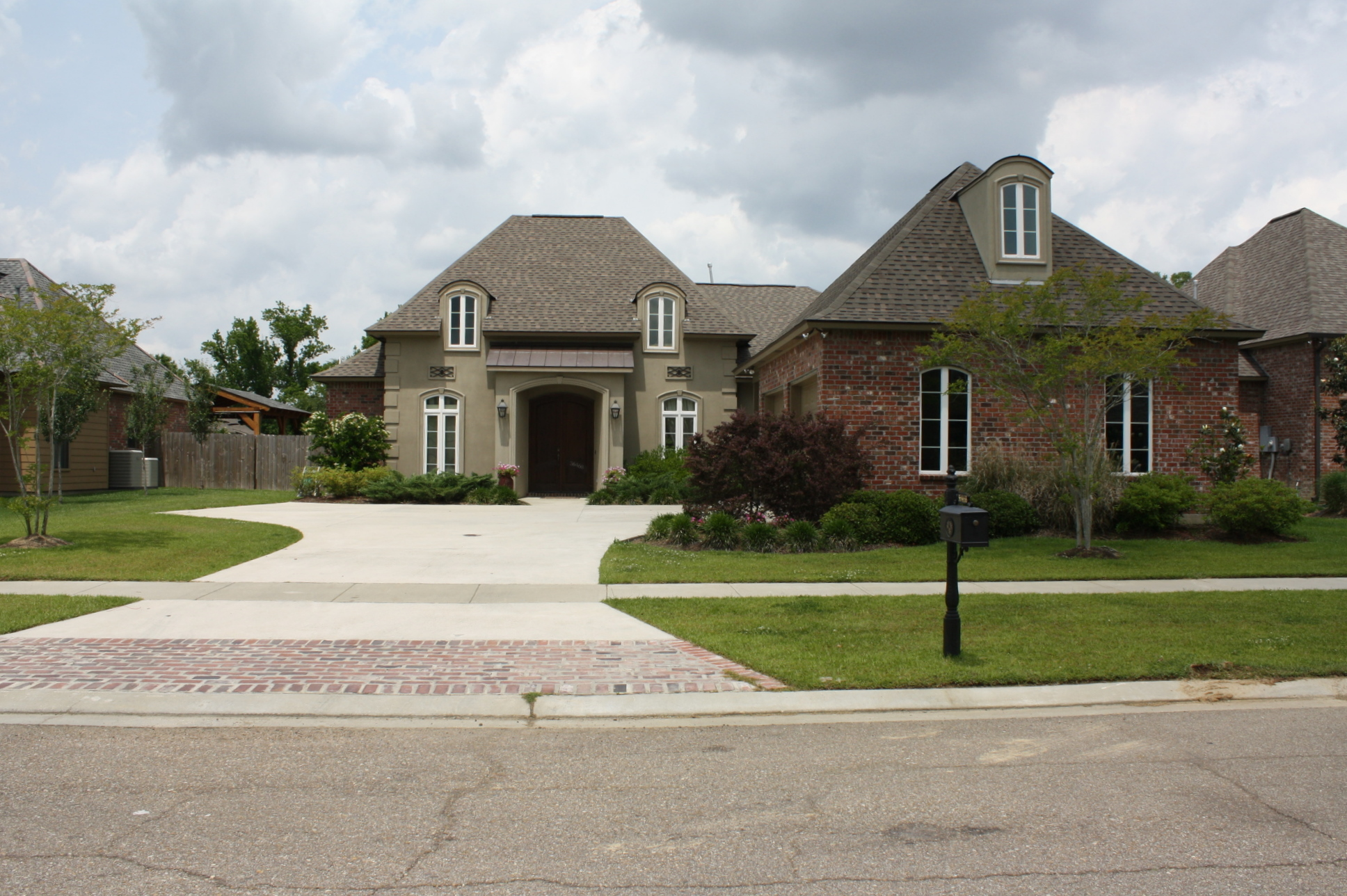 Oaks on the bluff subdivision in prairieville homes for sale for Homes for sale in baton rouge with swimming pools