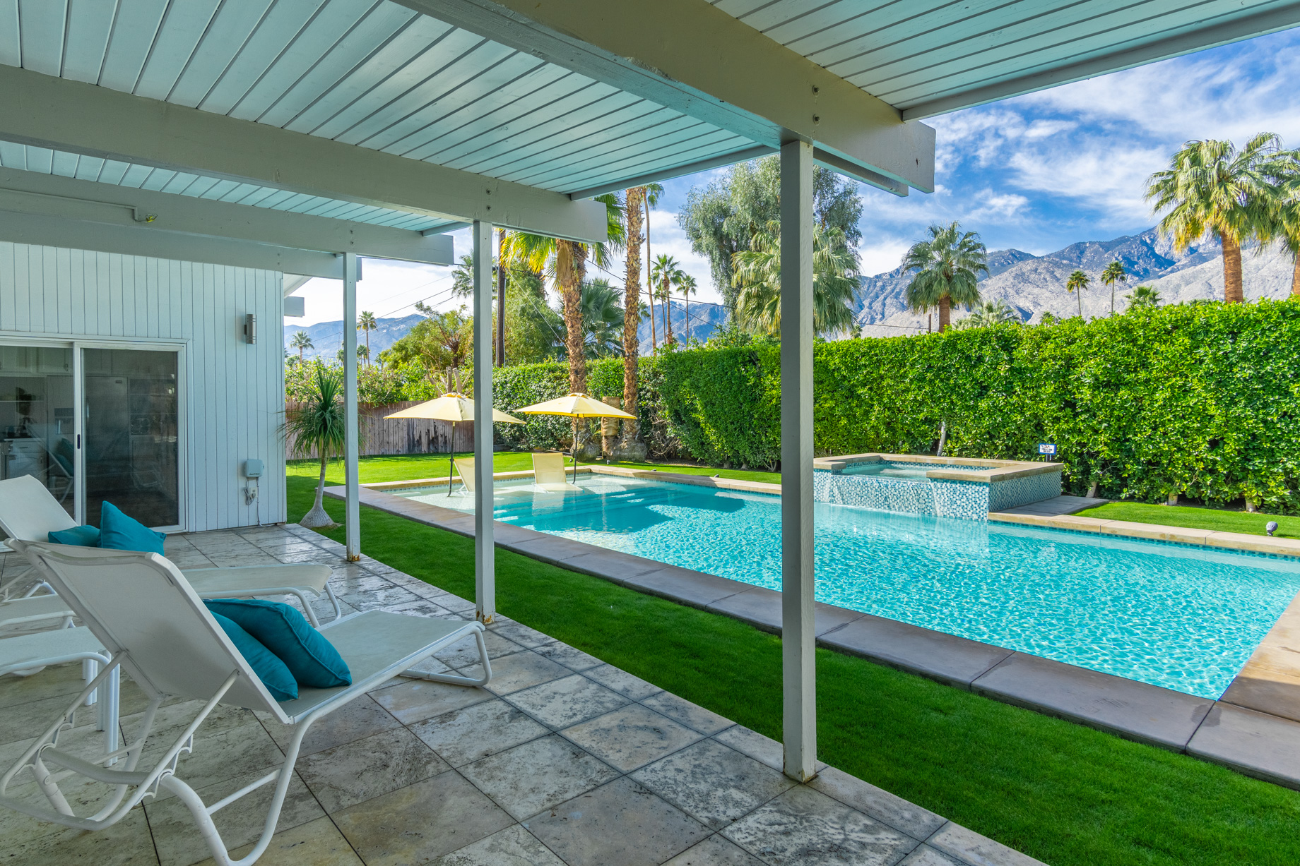 Palm Springs California Swimming Pool with view