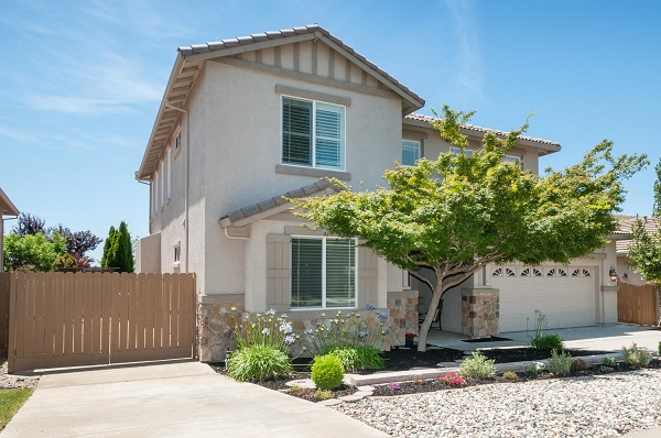 Home for Sale in Stoneridge Roseville