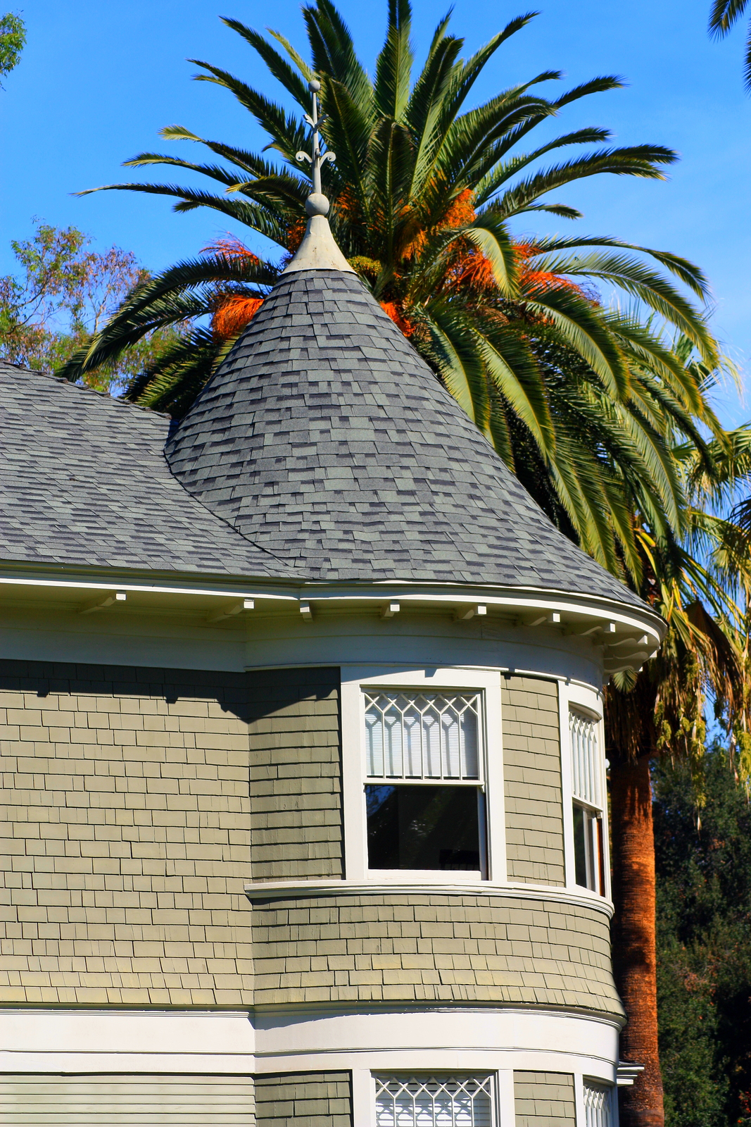 Search Claremont homes and Claremont real estate.