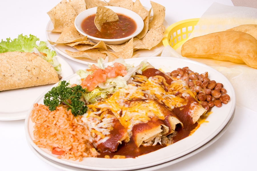 Eat at El Pinto near your Albuquerque home.
