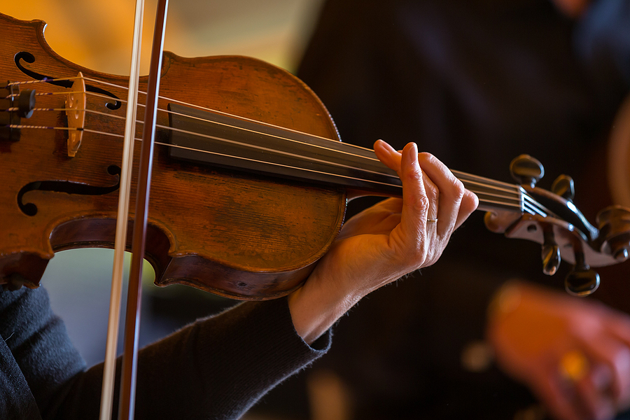 People living in Sedona go to classical music concerts.