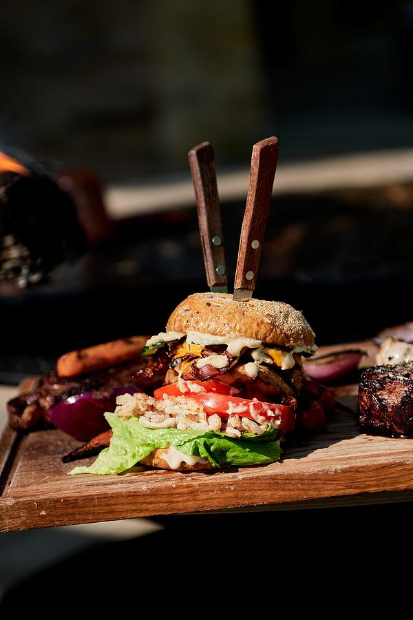 Sedona real estate owners eat delicious hamburgers.