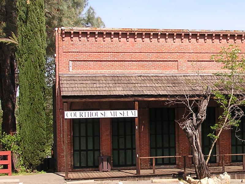 Shasta court house