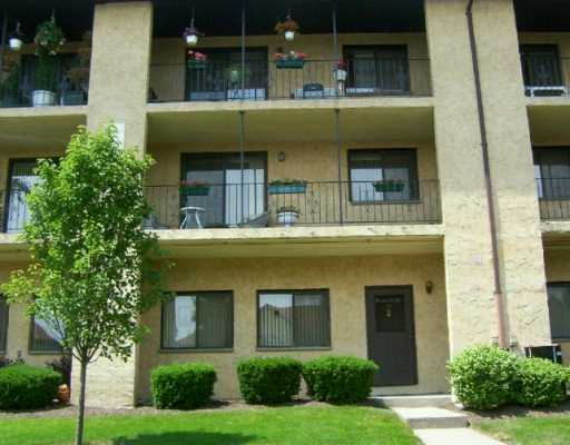 Omni Parc Nanuet New York 1, 2 and three story units