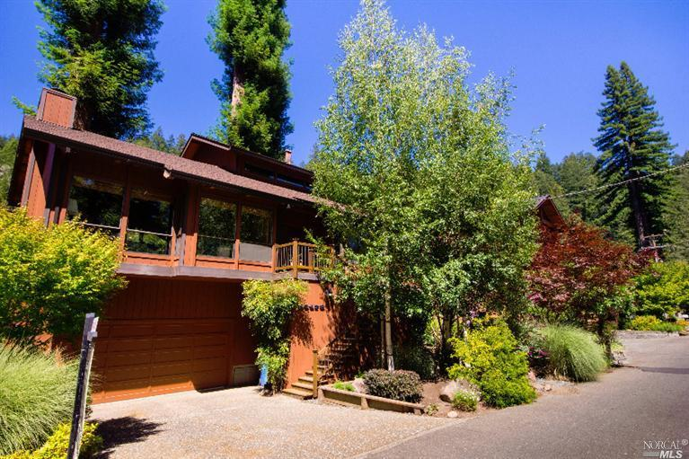 19479 Redwood Dr, Monte Rio, CA 95462 Sold For $1,100,000
