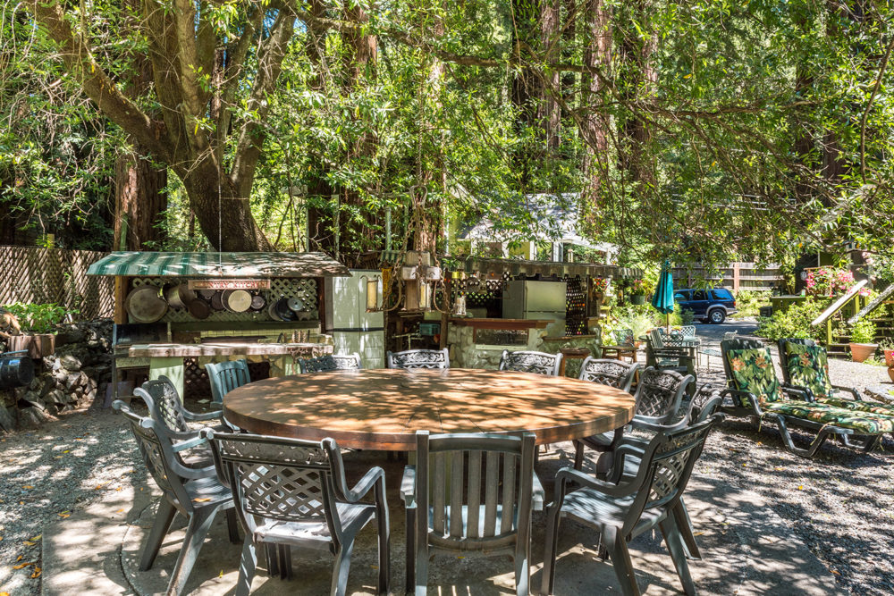 OUTDOOR KITCHEN at 3985 Cazadero Highway